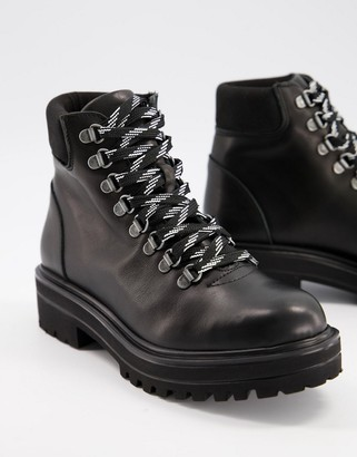 Depp chunky hiker boots in black leather