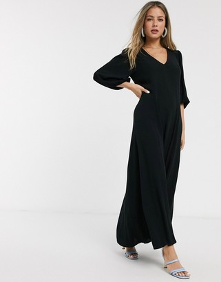 Asos Design DESIGN trapeze maxi dress with puff sleeve in crinkle in black