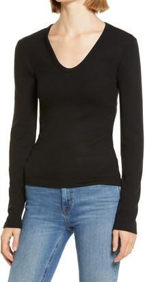 Lou & Grey Signature Soft V-Neck Pullover