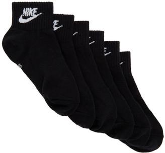 Nike Three-Pack Black Essential Everyday Ankle Socks