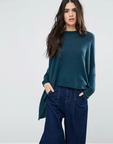 Subtle Luxury Loose and Easy Crew Neck Cashmere Sweater in Peacock