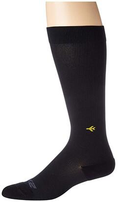 2XU Flight Compression Socks Ultra Light (Black/Black) Crew Cut Socks Shoes