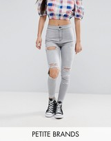 New Look Petite Washed Busted Knee Skinny Jeans