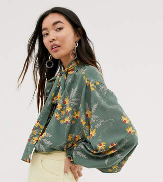 Monki floral print pussybow neck in green