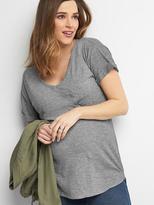 Maternity short sleeve V-neck slub tee