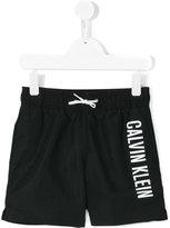 Calvin Klein Kids - printed swim shorts - kids - Polyester - 4 yrs