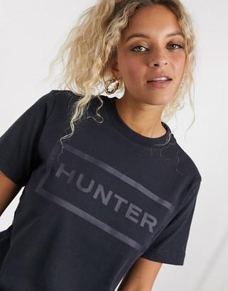 Hunter embossed logo t-shirt in black