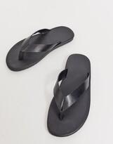 Asos Design DESIGN flip flops in black leather
