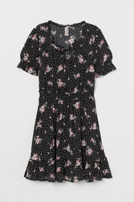 H&M Short Flounced Dress - Black