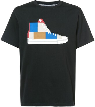 Mostly Heard Rarely Seen 8-Bit patchwork sneaker T-shirt
