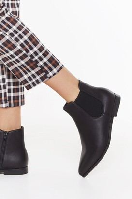 Nasty Gal Womens Flat Out Ankle Chelsea Boots - Black