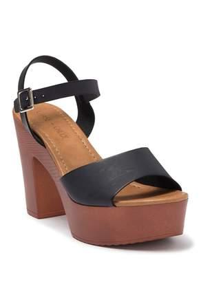 Chase & Chloe Aurelia Platform Chunky Sandal