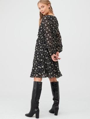 Wallis Ditzy Dobby Floral Fit & Flare Dress - Black