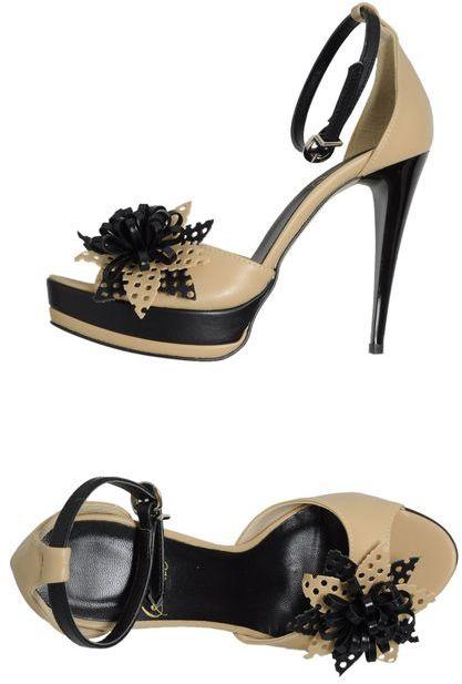 Stelle LE Platform sandals