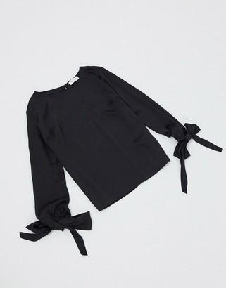 ELVI tie cuff blouse in black