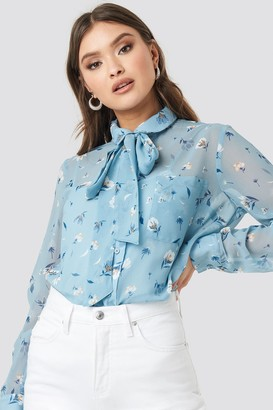 NA-KD Floral Print Sheer Pussy Bow Blouse Blue