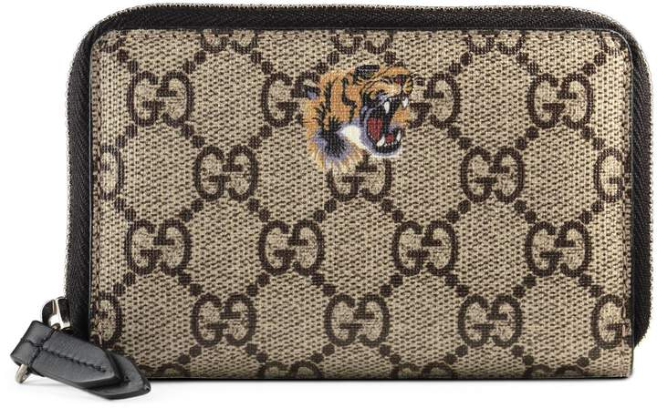 uk availability c9cd3 92f7b Tiger print GG Supreme zip card case