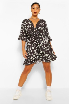 boohoo Plus Ditsy Floral Ruffle Playsuit