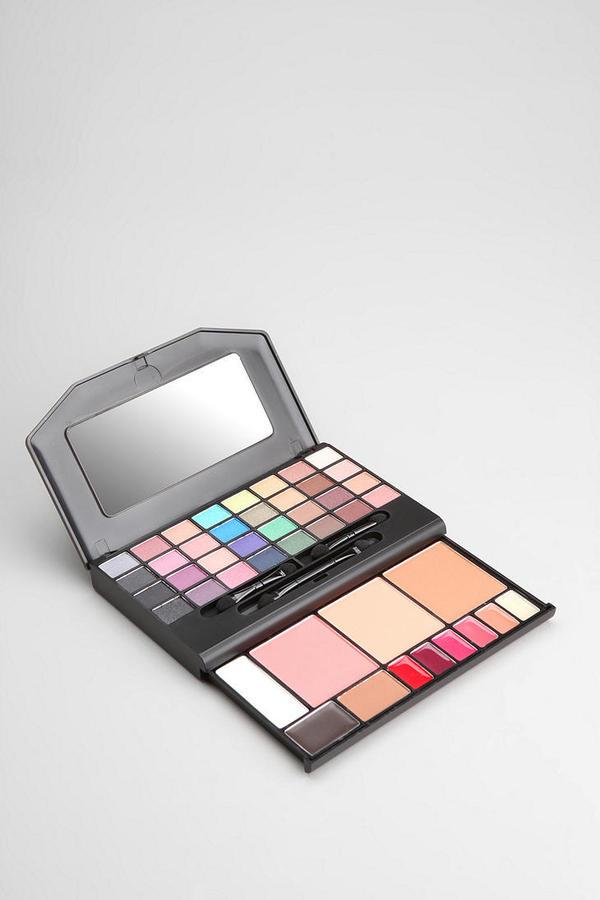Urban Outfitters e.l.f. Studio Makeup Clutch Palette