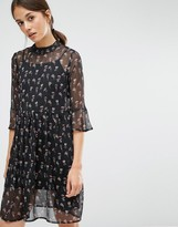 Vero Moda Ditsy Printed Swing Dress