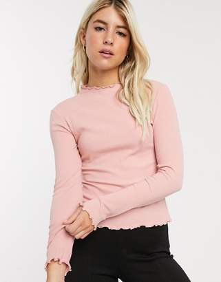 Pieces long sleeve top with lettuce hem in pink
