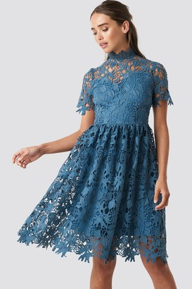 NA-KD High Neck Short Sleeve Lace Dress Blue