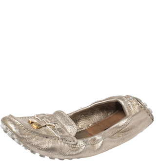 Louis Vuitton Metallic Gold Textured Leather Scrunch Bow Slip On Loafers Size 39