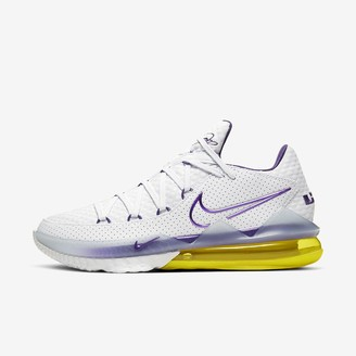 Nike Basketball Shoe LeBron 17 Low