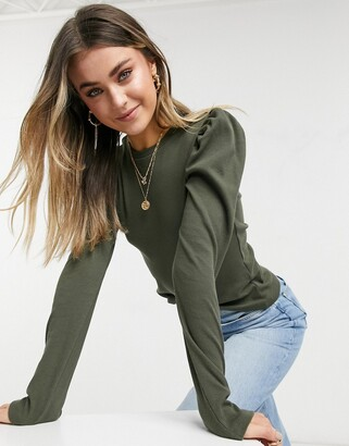 Pieces ribbed top with puff sleeves in dark green