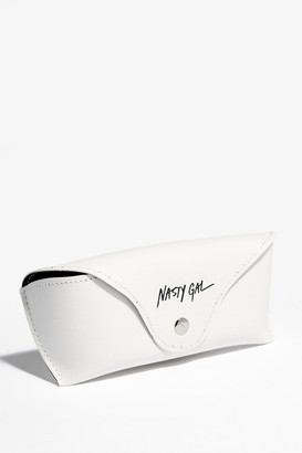 Nasty Gal Womens Throw Shade Faux Leather Sunglasses Case - White