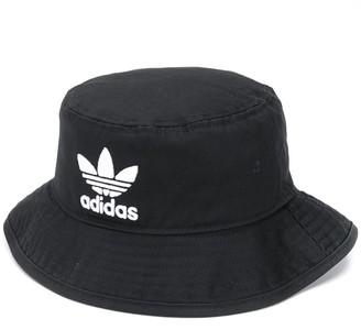 adidas Adicolour bucket hat