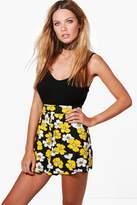 boohoo Lola Daisy Print Flippy Shorts