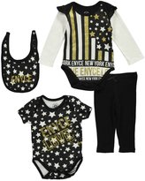 "Enyce Unisex Baby ""Stars & Stripes"" 4-Piece Layette Set"