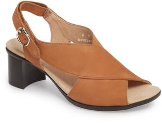 Munro American Laine Block Heel Sandal