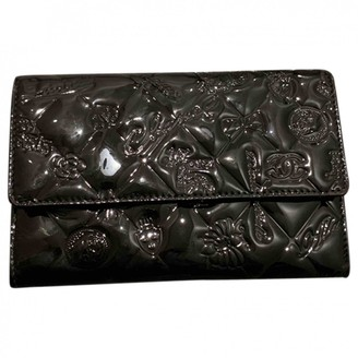 Chanel Black Patent leather Purses, wallets & cases