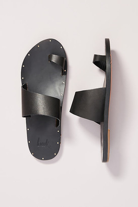 beek Finch Toe-Loop Sandals By in Black Size 9