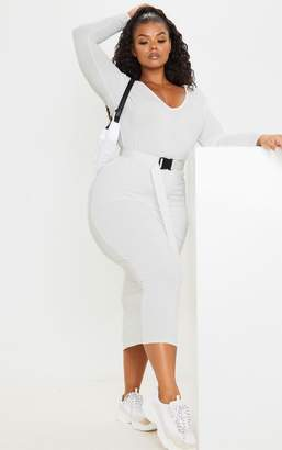 PrettyLittleThing Plus Cream Jersey V Neck Long Sleeved Midi Dress
