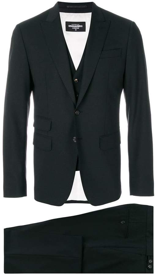 DSQUARED2 pocket detail three piece suit