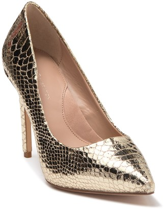 BCBGMAXAZRIA Skie Snakeskin Embossed Pointed Toe Pump