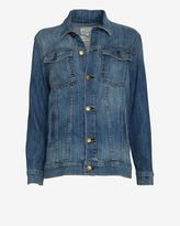 jessica alba  Who made  Jessica Albas black sunglasses and blue denim jacket that she wore in New York?