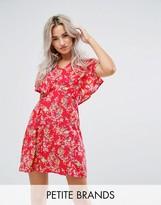 Yumi Petite Cape Dress In Floral Print