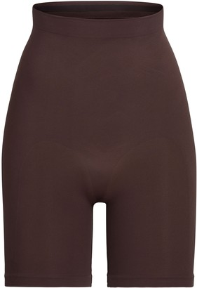 SKIMS SCULPTING SHORT ABOVE THE KNEE