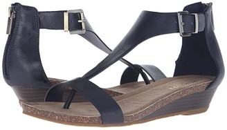 Kenneth Cole Reaction Great Gal (Gold Metallic Fabric) Women's Sandals
