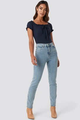 Trendyol High Waist Relaxed Mom Jeans