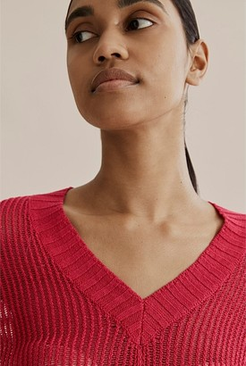 Country Road Lightweight V-Neck Sweater