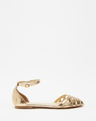 Atmos & Here Atmos&Here - Women's Gold Flat Sandals - Dana Leather Woven Flats - Size 5 at The Iconic