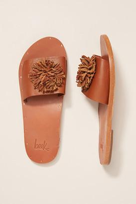 beek Chicken Slide Sandals By in Brown Size 6