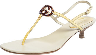 Gucci Cream Patent Leather GG Interlocking Kitten Heel Thong Flat Sandals Size 36.5