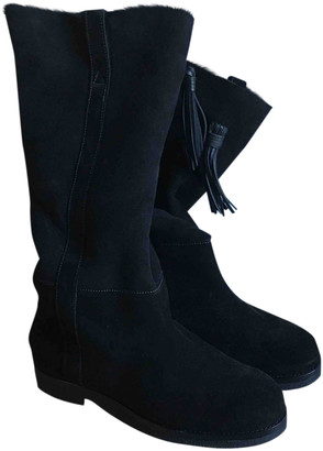Closed Black Shearling Boots