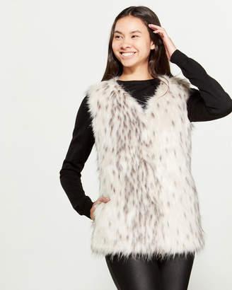 Love Token Tori Faux Fur Vest